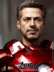 Hot Toys - The Avengers - Iron Man Mark VII 007