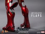 Hot Toys - The Avengers - Iron Man Mark VII 011