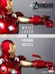 Hot Toys - The Avengers - Iron Man Mark VII 012