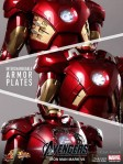 Hot Toys - The Avengers - Iron Man Mark VII 013