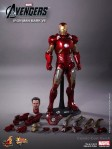 Hot Toys - The Avengers - Iron Man Mark VII 017