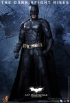 Hot Toys - The Dark Knight Rises - 1-4th-Scale Batman Collectible Figure 001