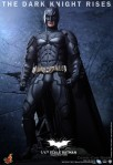 Hot Toys - The Dark Knight Rises - 1-4th-Scale Batman Collectible Figure 003