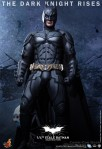 Hot Toys - The Dark Knight Rises - 1-4th-Scale Batman Collectible Figure 004