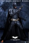 Hot Toys - The Dark Knight Rises - 1-4th-Scale Batman Collectible Figure 007