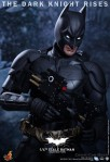 Hot Toys - The Dark Knight Rises - 1-4th-Scale Batman Collectible Figure 009