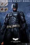 Hot Toys - The Dark Knight Rises - 1-4th-Scale Batman Collectible Figure 010