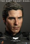 Hot Toys - The Dark Knight Rises - 1-4th-Scale Batman Collectible Figure 012