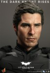 Hot Toys - The Dark Knight Rises - 1-4th-Scale Batman Collectible Figure 014