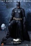 Hot Toys - The Dark Knight Rises - 1-4th-Scale Batman Collectible Figure 019