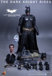 Hot Toys - The Dark Knight Rises - 1-4th-Scale Batman Collectible Figure 021
