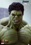 The Avengers - 1-6th-Scale Hulk Limited Edition Collectible Figurine - Marvel One-Sixth-Scale Figure 010