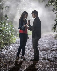 Star-Crossed - Promo Image 02 - Matt Lanter - Aimee Teegarden - The CW - CBS